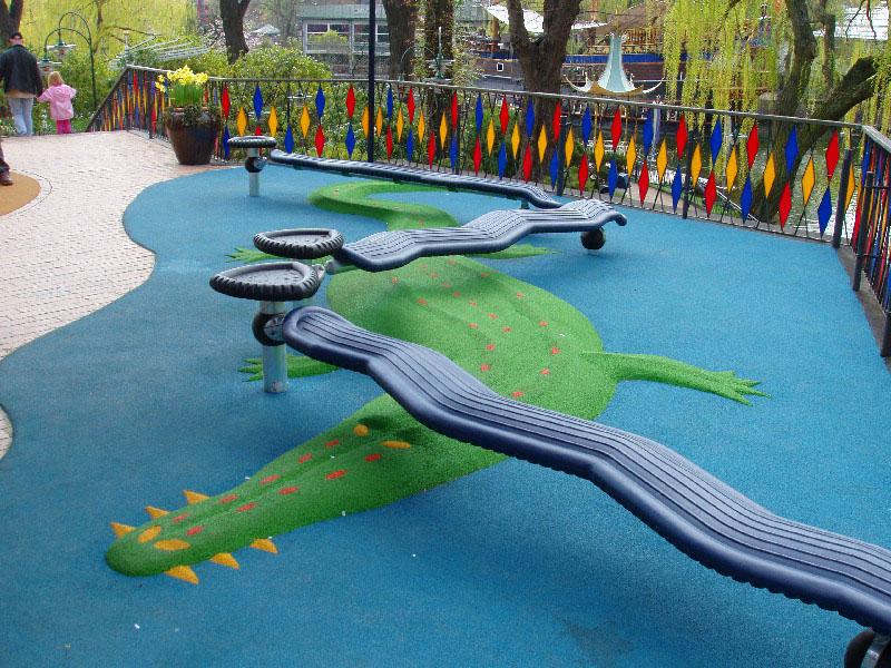 Spielplatz Selber Gestalten bodenbelag aus granulat für spiel spass
